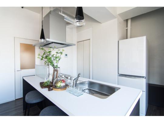 3ドア冷蔵庫や炊飯器等生活に必要な家具は全て揃っていてオススメです