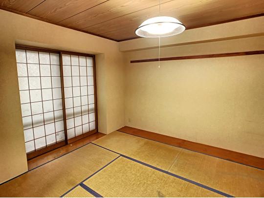 落ち着いた空間の和室です。