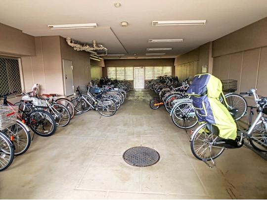 雨の日も安心の駐輪場です。