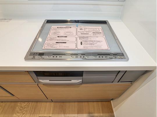 調理後の手入れが簡単なガラス天板IHクッキングヒーター。