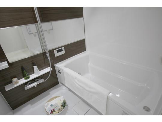 日々の疲れを癒す浴室です。キッチンの湯沸かしボタンからも操作ができます