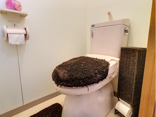 シンプルな洋風トイレです