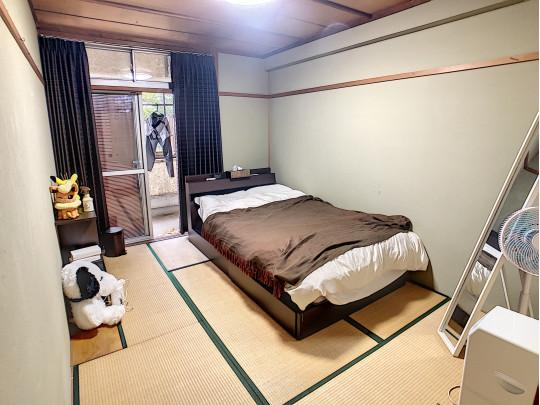 2階6帖の和室。家族の寝室、客間、子供部屋など、色々とご利用できます