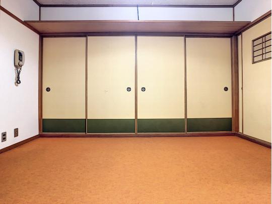 2階のホールになります。2箇所の和室に繋がります