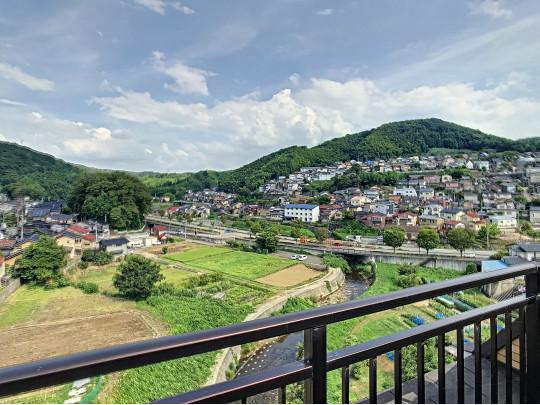 美しい緑あふれる最高層からの眺望です。季節が変わるにつれて色を変える景色をぜひお楽しみください