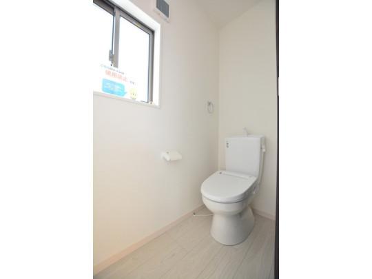 トイレが2ヵ所あるので、朝の混雑から解放されますね。