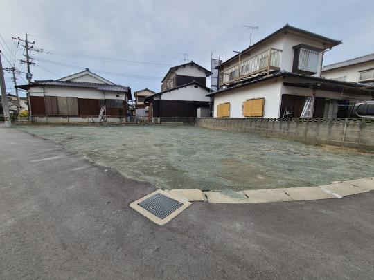 人気の角地です。JR「ししぶ」駅徒歩11分♪家計に優しいオール電化住宅です!