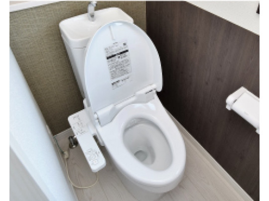 (イメージ)温水洗浄便座付きのトイレです。汚れてもサッとひと拭きでお手入れ簡単。節水仕様でしっかり洗浄できます。環境にやさしく、しかも経済的です。
