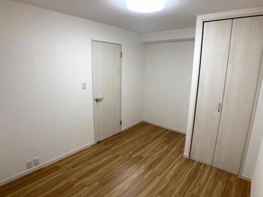 各居室はそれぞれ収納を設けた、広々とした空間です(^^♪