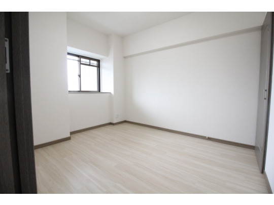 明るい洋室は子供部屋にピッタリです♪