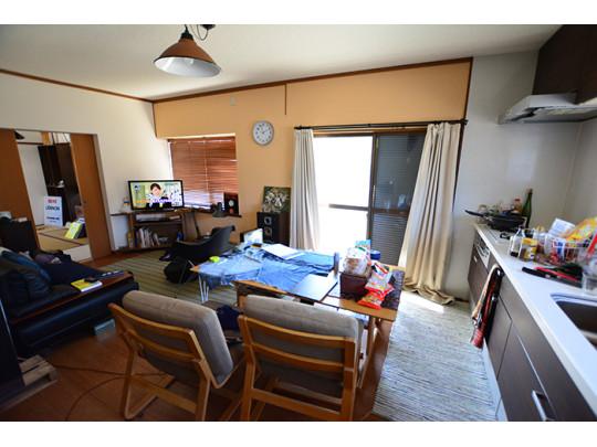 背面キッチンなので、お部屋を広く活用できます(^^)