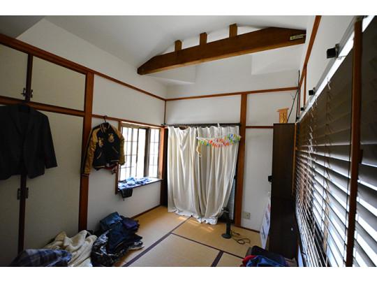 6帖の和室は3面採光で明るいお部屋になっています。