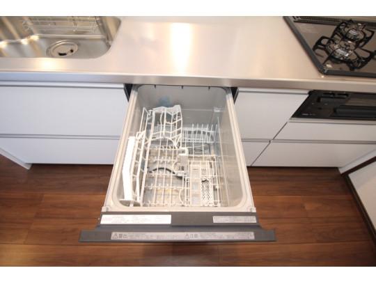 食器洗い乾燥機がついているので、食後の片づけもラクラク♪