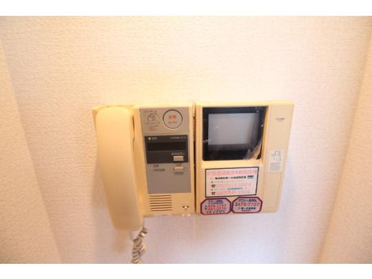 テレビモニター付きインターホンで、来客者を確認出来るので安心安全です。